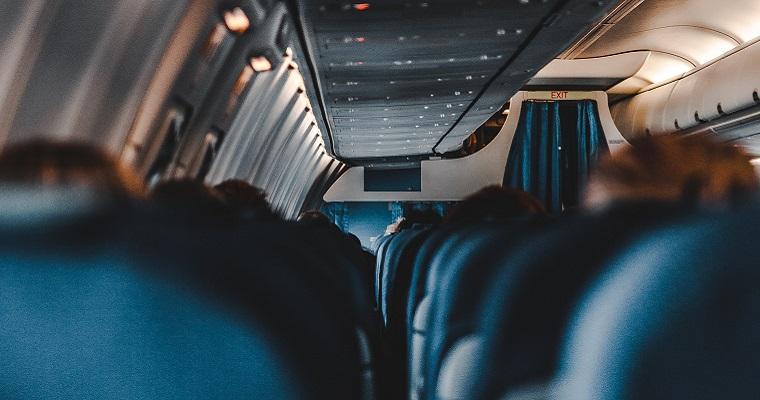 Le 5 regole da osservare rigorosamente in aereo